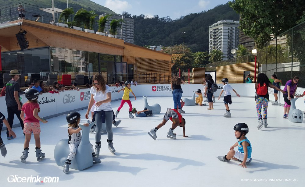 Artificial ice rink